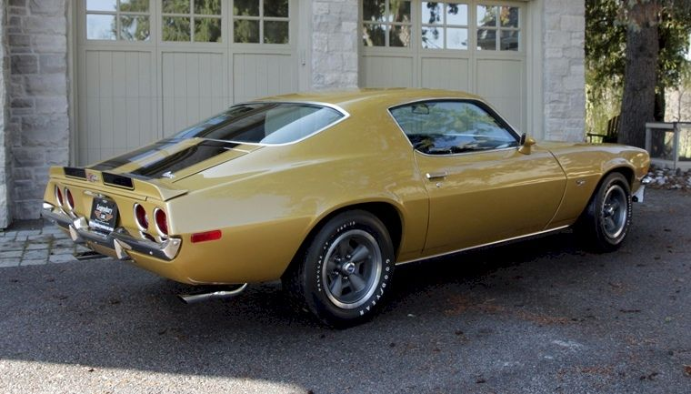 Example of Camaro Gold paint on a 1970 GM Camaro Z28 | Cars