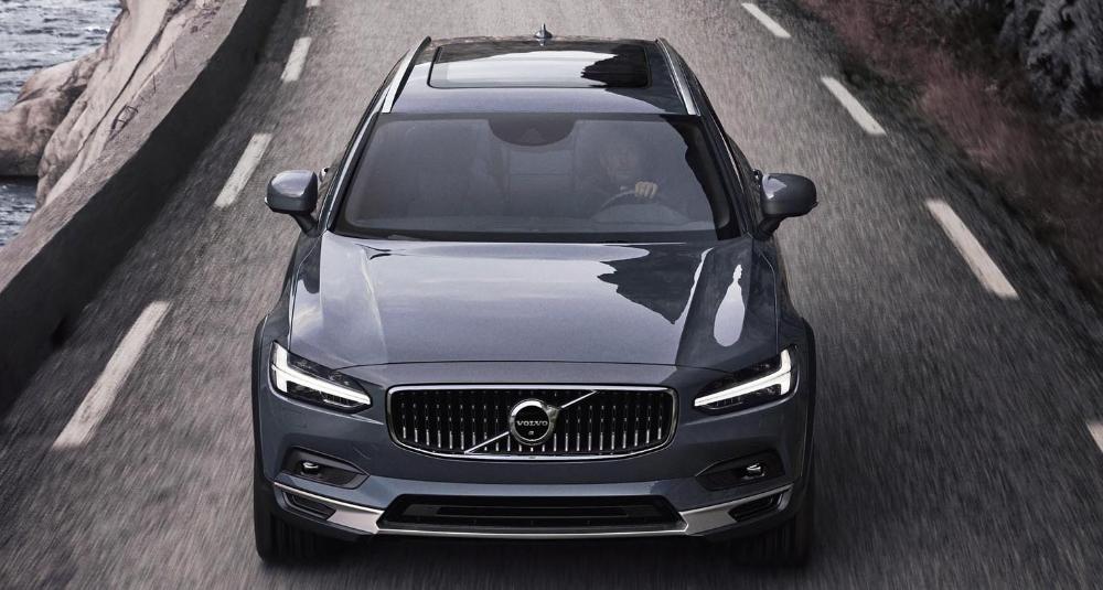 فولفو للسيارات تدعو مندوبي الأمم المتحدة لمعالجة التفاوت الكبير في معايير السلامة المرورية بين دول العالم موقع ويلز In 2020 Volvo Cars Volvo Bmw Car