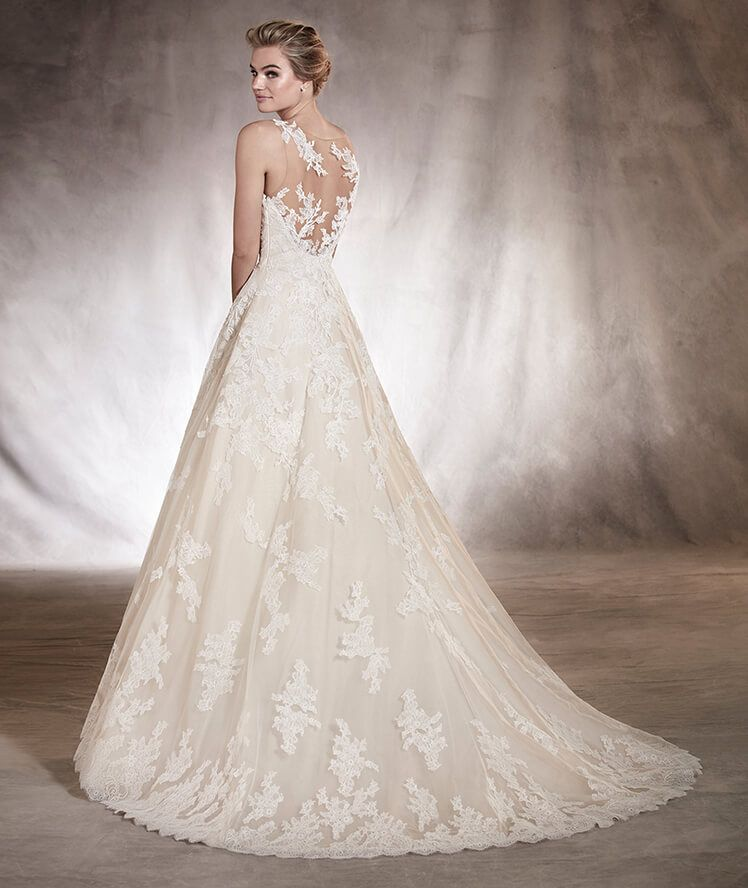 2a08ac16882f2 ANGELICA - Lace and tulle wedding dress with a sweetheart neckline ...