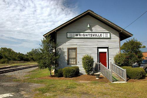 Wrightsville & Tennille Railroad Depot 1878 Wrightsville, GA Photo © Brian Brown