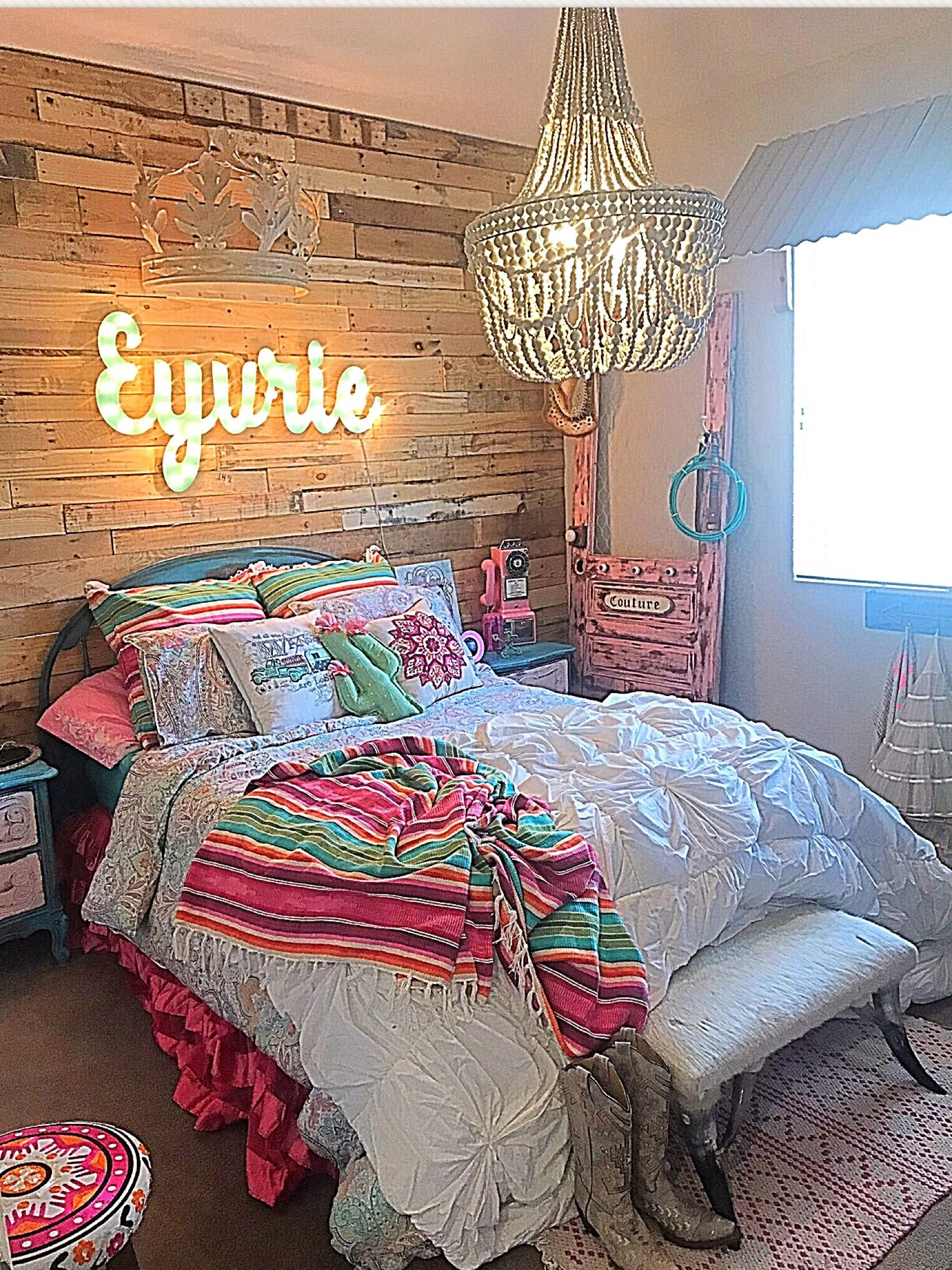 Junk Gypsy theme room by designer Michele Velasco of thefunkgypsy