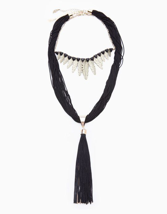 At Stradivarius you'll find 1 Leaf and tassel necklace for woman