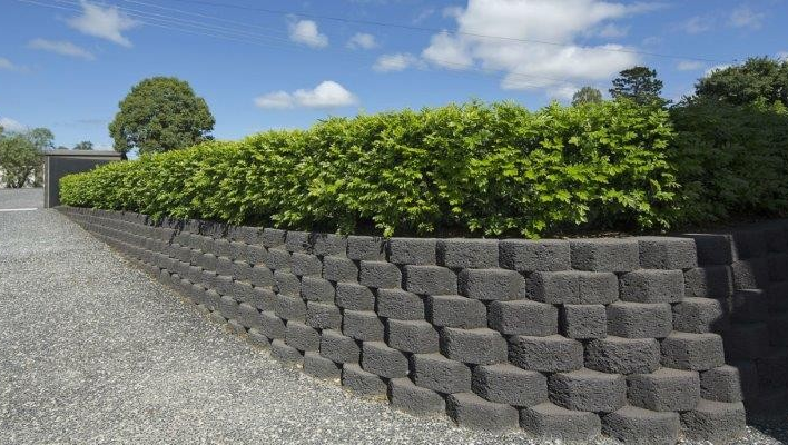 Looking To Build A Retainingwall In Your Backyard Or Garden We Have The Solution Use Gardenwal Landscaping Supplies Retaining Wall Blocks Vertical Garden