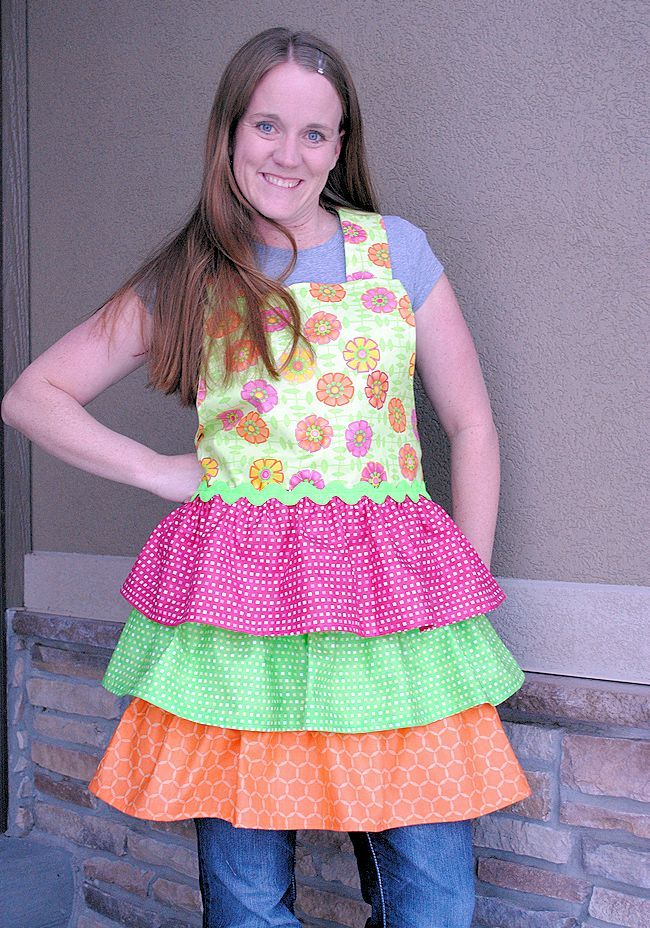 Over 50 apron tutorials so you can look cute while spring cleaning, or any other time of the year!