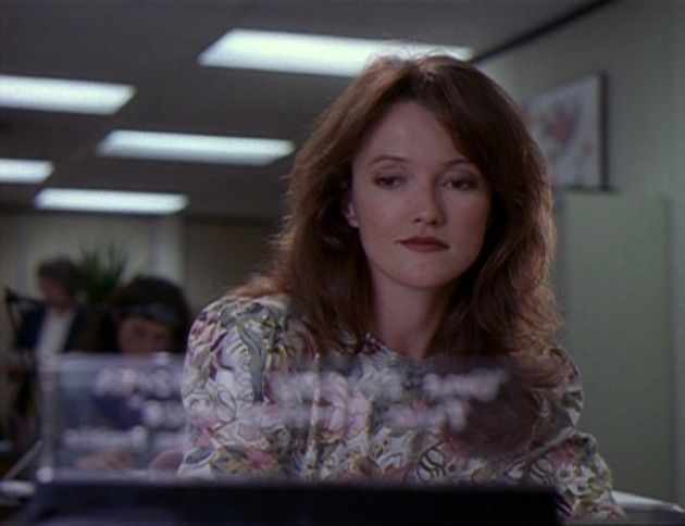 "The X-Files Season 1 Episode 6 Review: ""Shadows"""