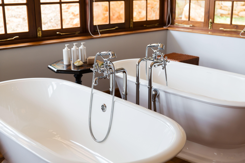 Comment Nettoyer Une Baignoire En Fonte Émaillée les 54 meilleures images de inspiration salle de bain rétro