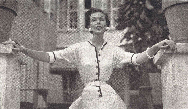 Versailles Walkabout • 1950s Knitting Engagement Cardigan Top Jumper ...