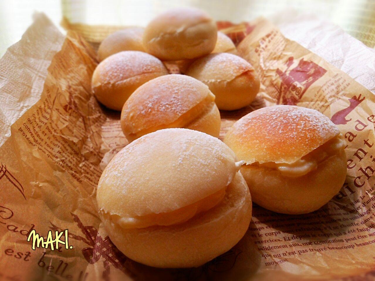 生クリーム入りふわふわ丸パンのレモンクリームサンド レシピ レモンクリーム クリームサンド 食べ物のアイデア