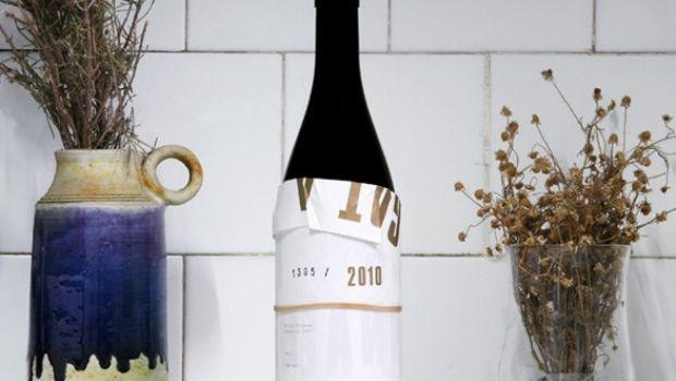 2010 Wine, l'etichetta del vino che si apre come un poster
