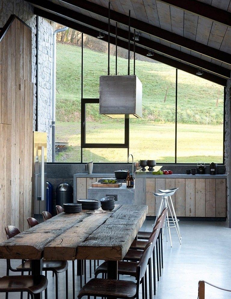 r novation d une ancienne b tisse interior pinterest maison bois table en bois rustique. Black Bedroom Furniture Sets. Home Design Ideas