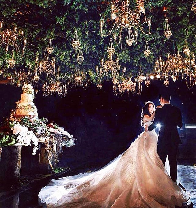 We Are Charmed By This Enchanted Forest Theme Wedding Decoration Weddinginspiration Follow Us For Real