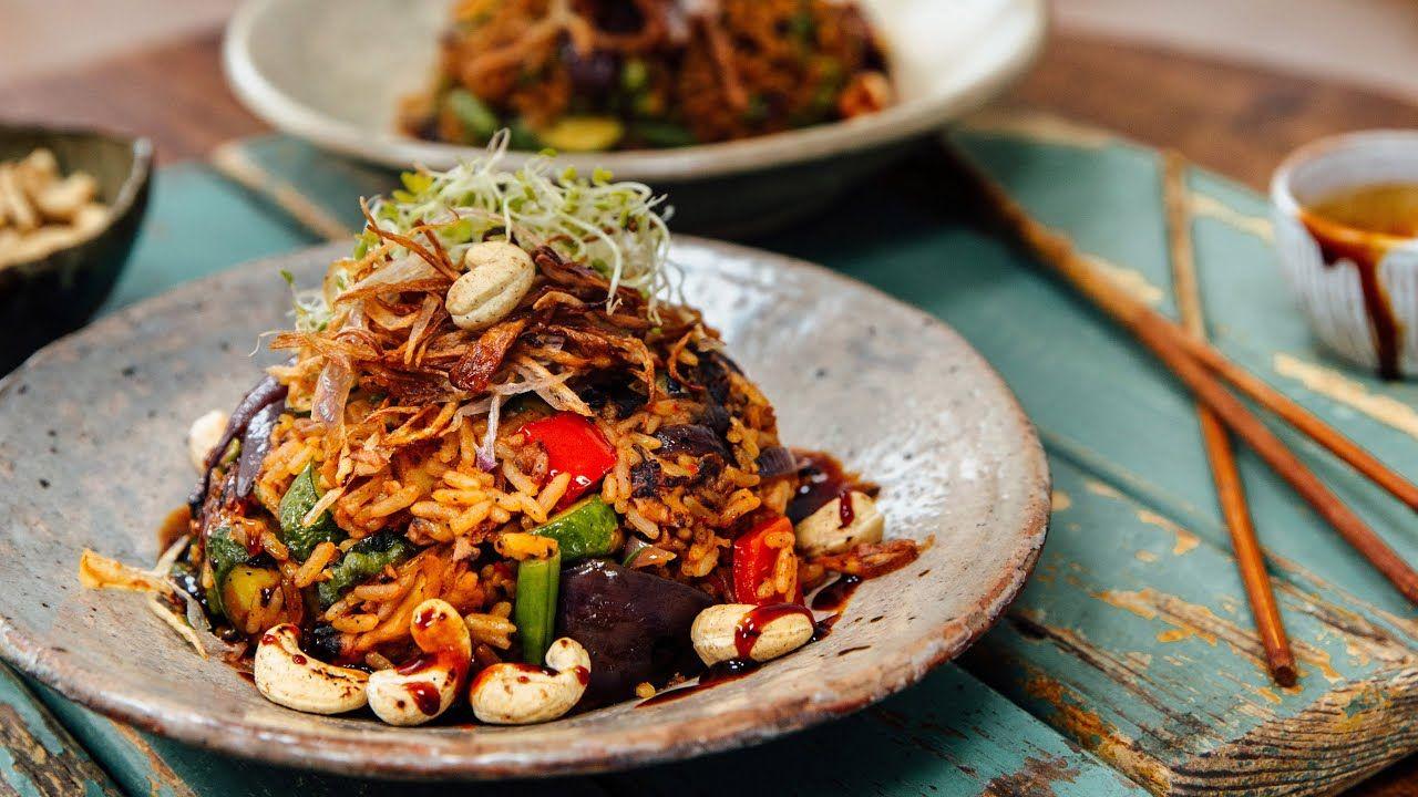 Vegan Nasi Goreng In 15 Minutes Youtube Nasi Goreng Recipe Nasi Goreng Plant Based Meal Planning