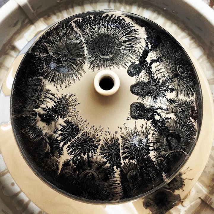 Mesmerizing Pottery Technique Suddenly Transforms a Drop of Liquid into a Blooming Tree
