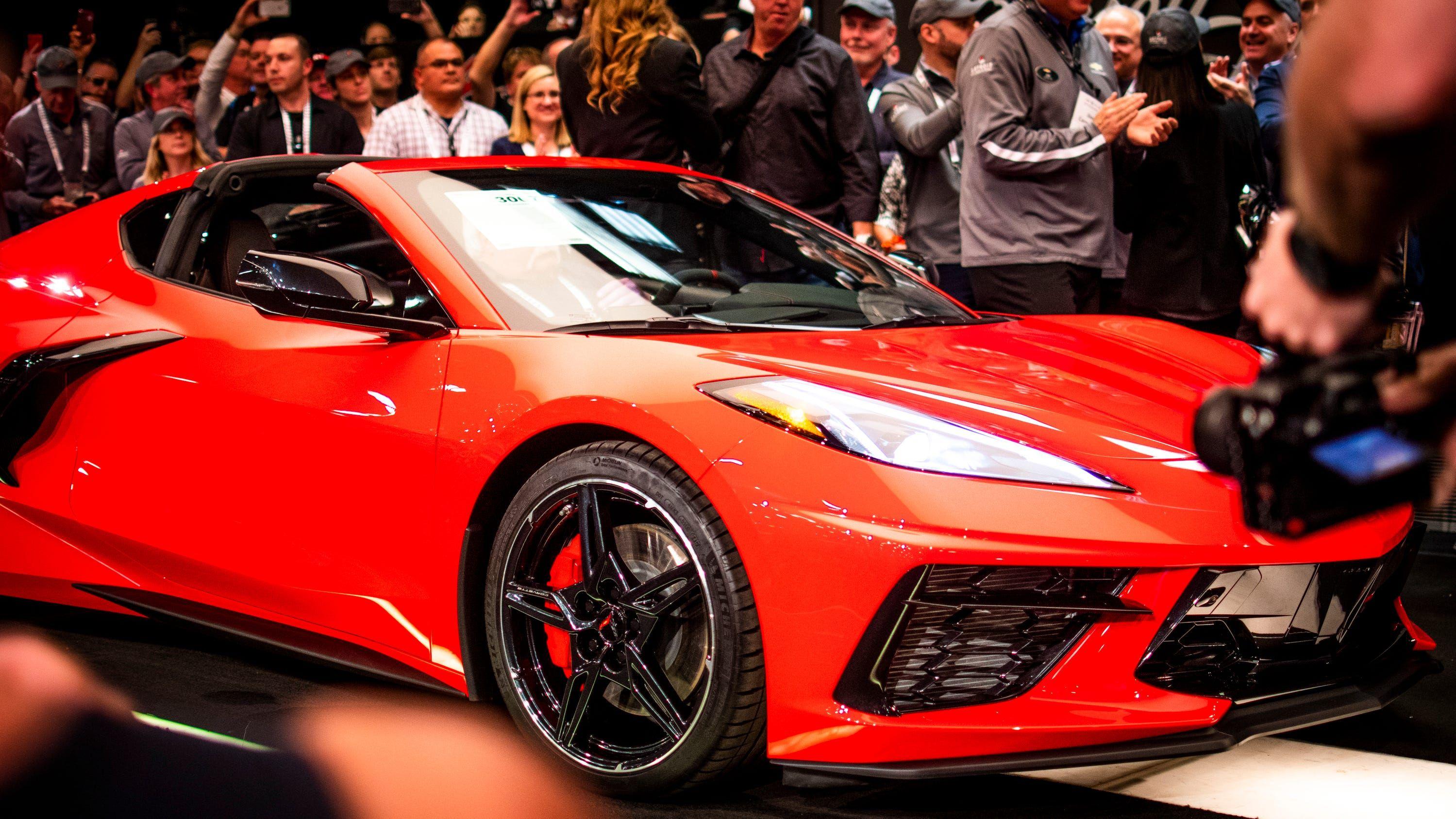 2020 Chevrolet C8 Corvette Stingray Coupe Sells For 3 Million At Arizona Auction Social Media Images Corvette Coupe