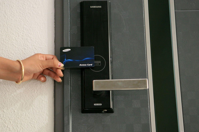 Home Security Door Lock System Home Security