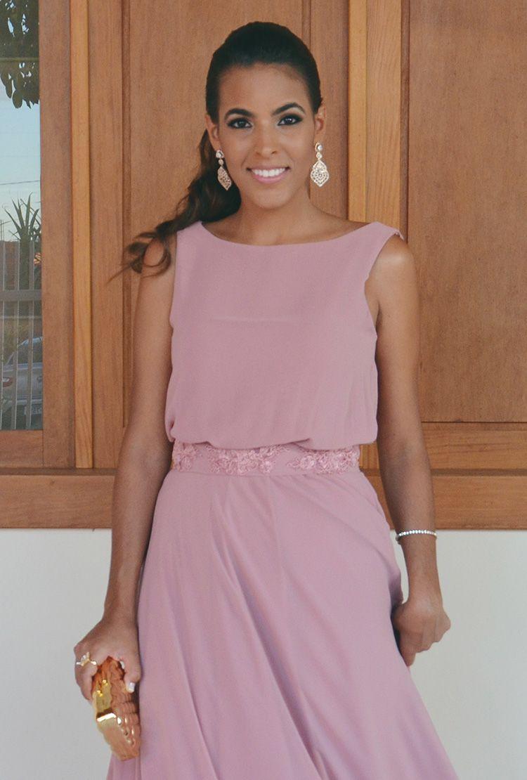 Look de madrinha de casamento rosa antigo. Vestido fluido com cinto ...