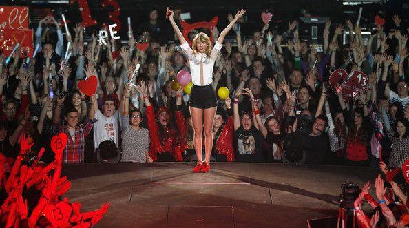 Taylor Swift Performs in Berlin