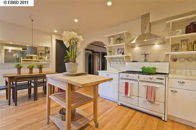 6236 Rockwell Street kitchen - open shelving, vintage stove