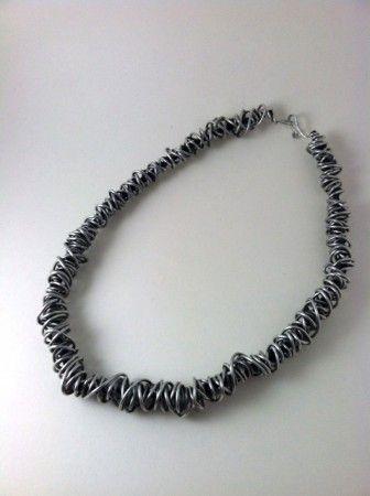 http://jewelrymakingjournal.com/all-wired/