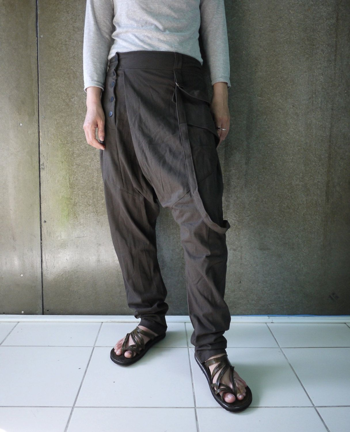 Gray linen Pants for man woman, Harem gray pants, Light Gray Linen trousers, Unisex Yoga Pants, Drop crotch Gray Pants, Festival clothing