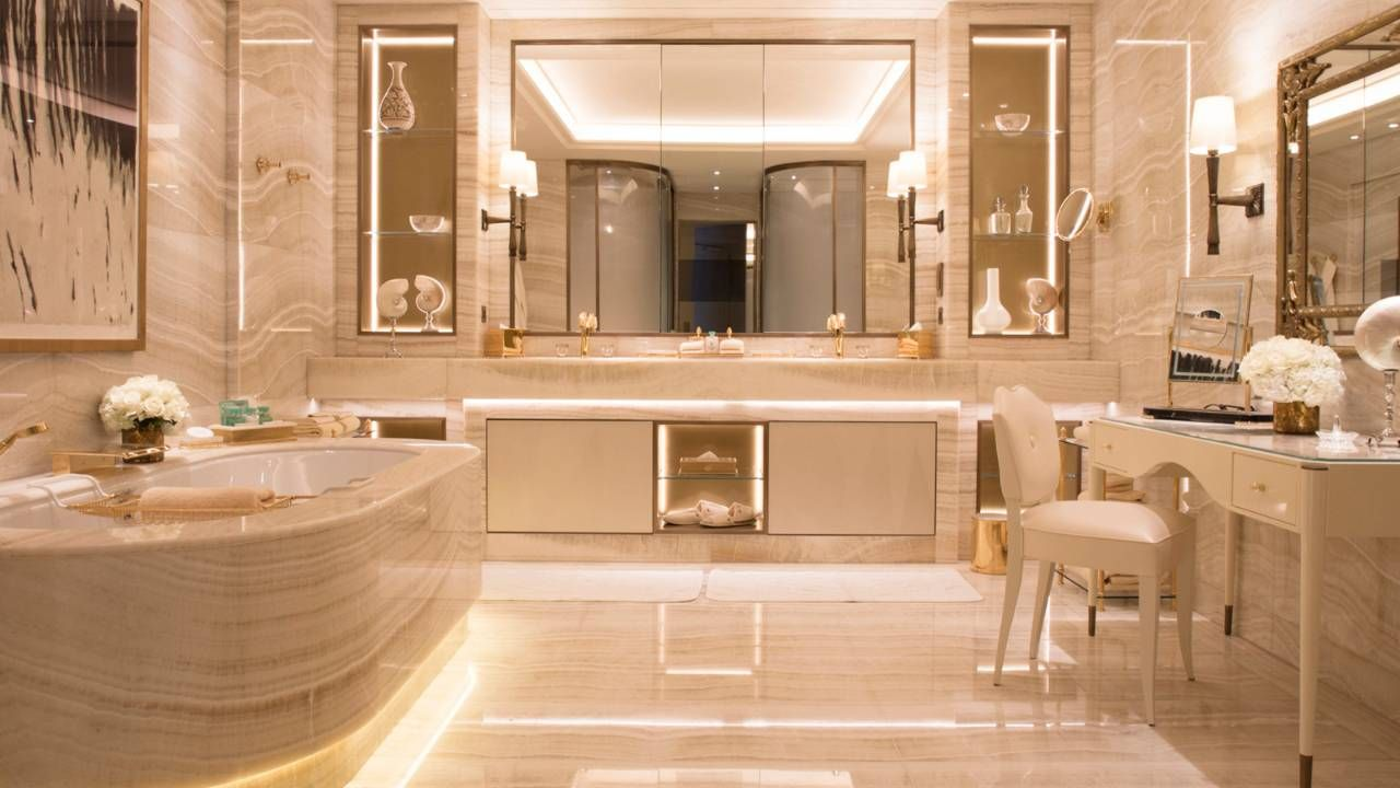 View Photos And Videos Of Four Seasons Hotel George V Paris A Luxury Five Star Hotel In Bathroom Design Luxury Paris Bathroom Decor Marble Bathroom Designs