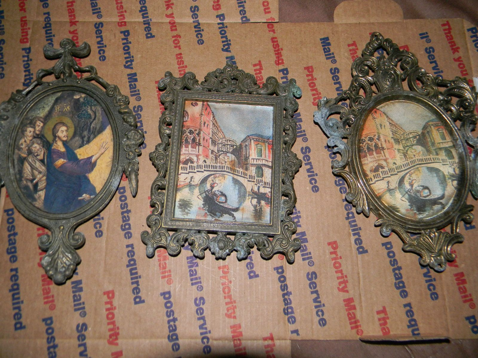 3-LOT VINTAGE MADE IN ITALY FRAME WITH PICTURES 2-ARE CLOTH PICTURES ...