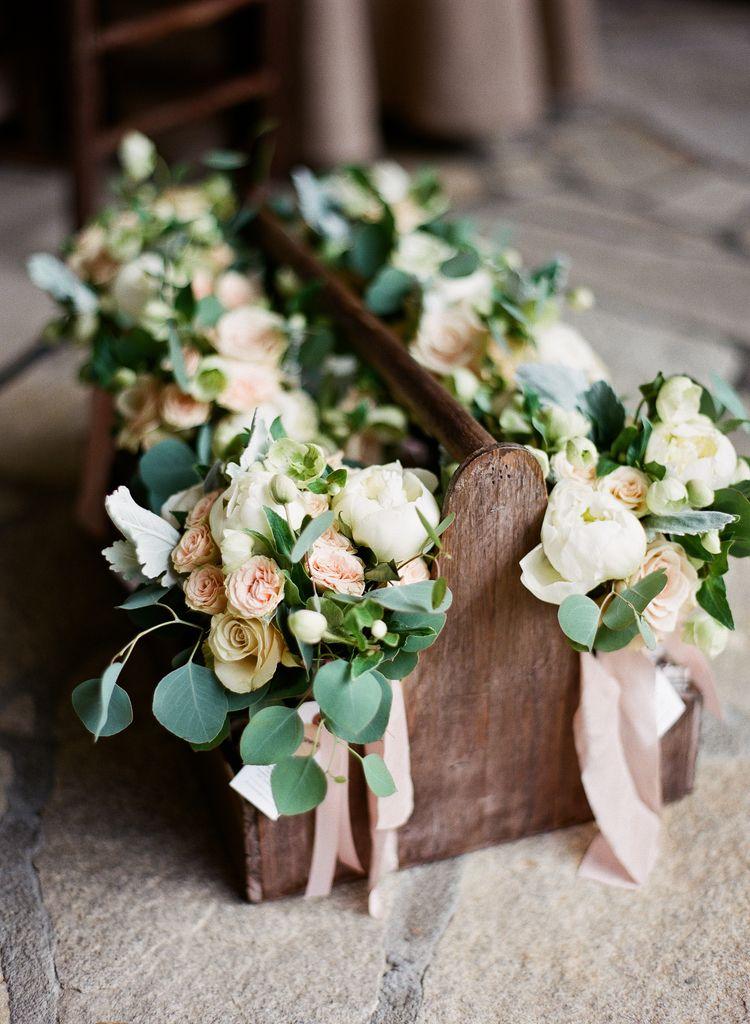 The Ultimate Wedding Flower Checklist Woman Getting Married Cheap Wedding Flowers Wedding Flowers Flower Bouquet Wedding