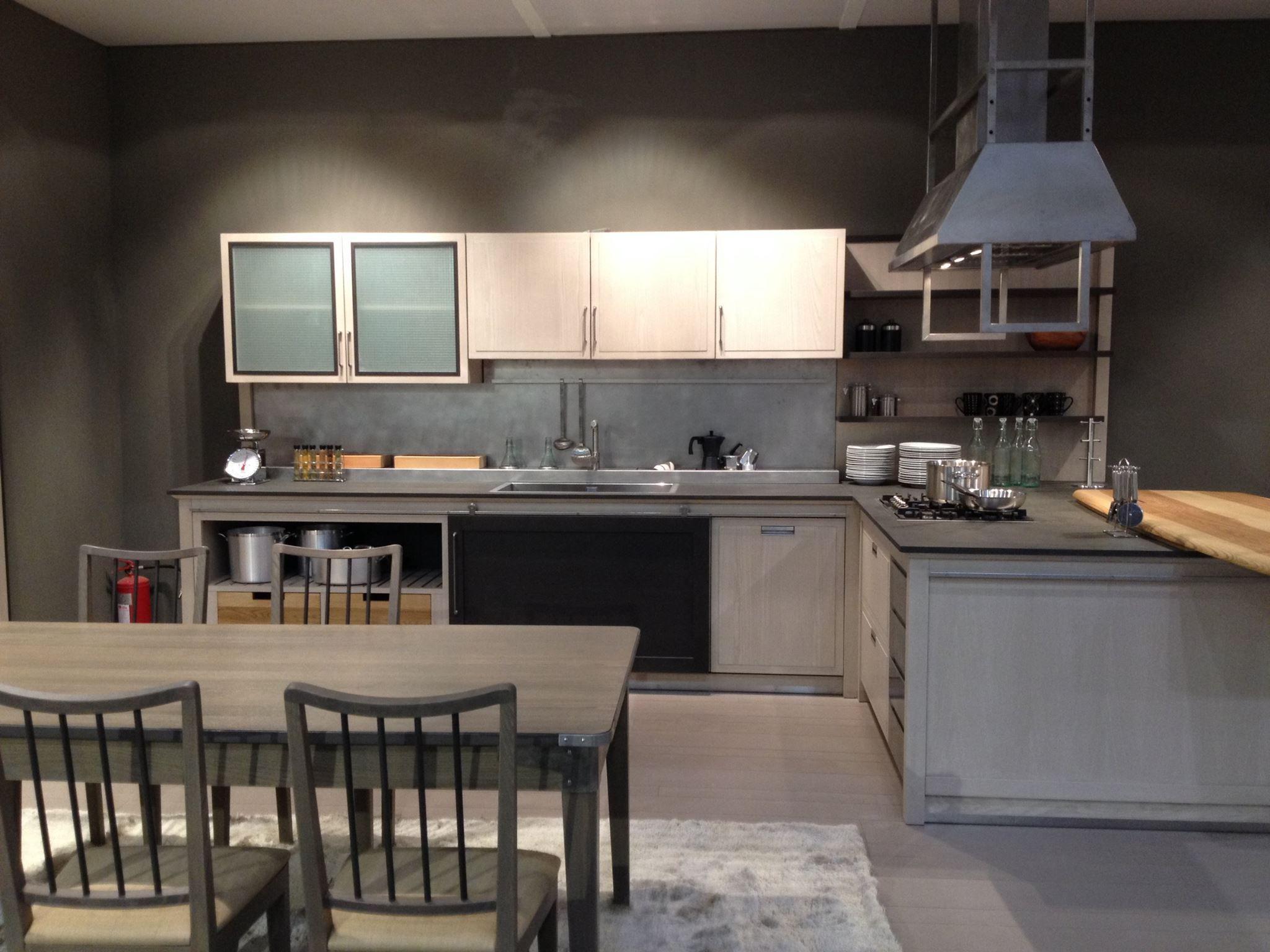 Super Cucine in stile Industrial Chic progettate su misura per le vostre DJ11