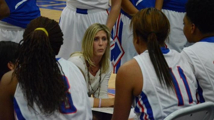 Valerie Stambersky Ends Kckcc Coaching Career On A High Note Basketball Coach Athlete National Champions