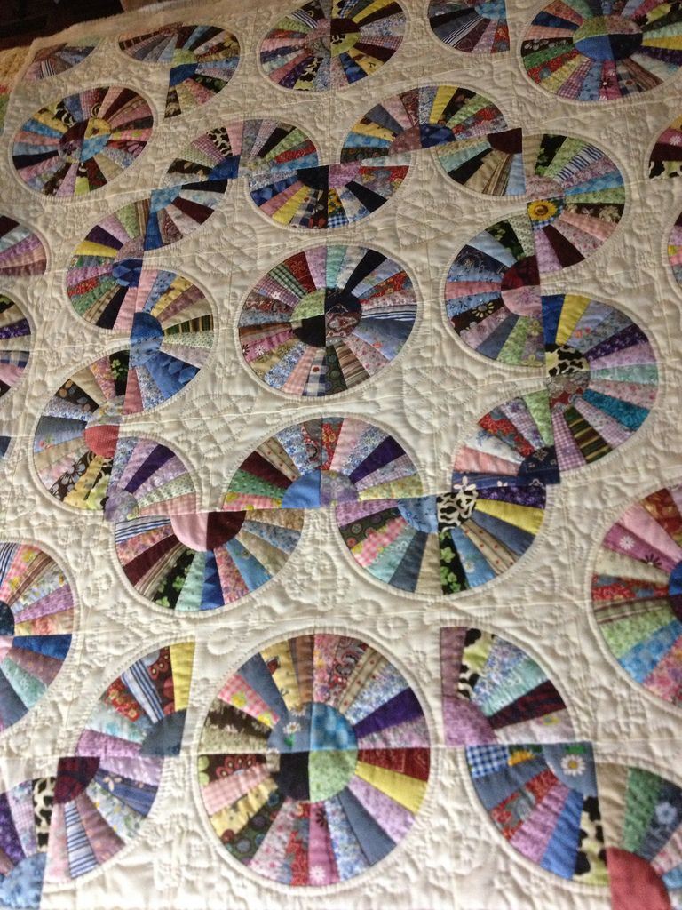 Quilt Pattern For Grandmother S Fan : grandmothers fan quilt Grandmothers, Fans and Dresden