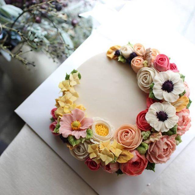 #앙금플라워케이크 #生日 #花 #ケーキ #生日蛋糕 #flower #cake #플라워클래스 #꽃  #flowercake #구리앙금플라워 #buttercream #韓式唧花 #เค้ก #버터크림플라워 #ดอกไม้ #수수꽃다리 #baking #일상 #떡케이크 #fleur #dessert  #플라워케이크 #홈베이킹 #wilton #남양주앙금플라워 #앙금플라워 #생일케이크 #부모님생신케이크 #떡케이크 #앙금플라워수업