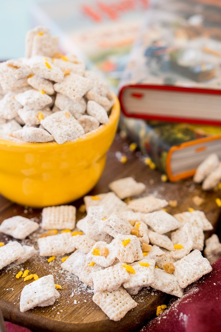 Harry Potter Butterbeer Muddy Buddies Are Made With Rice Chex Cereal Butterscotch Butter Toffee Butterbeer Recipe Harry Potter Butter Beer Harry Potter Food