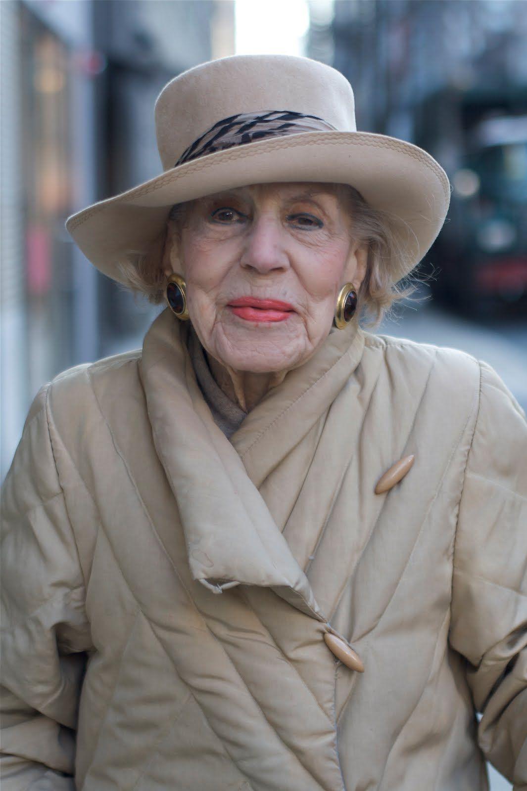 ADVANCED STYLE: 100 year old Elise