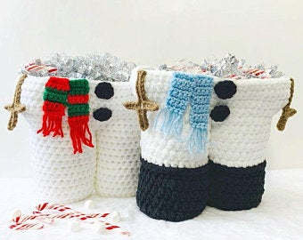 Snowman Legs Gift Basket - PDF crochet pattern ONLY - Tote, Wine, Coffee, Hot Cocoa, Gift, Christmas, Movie Night, Spa Day, Basket