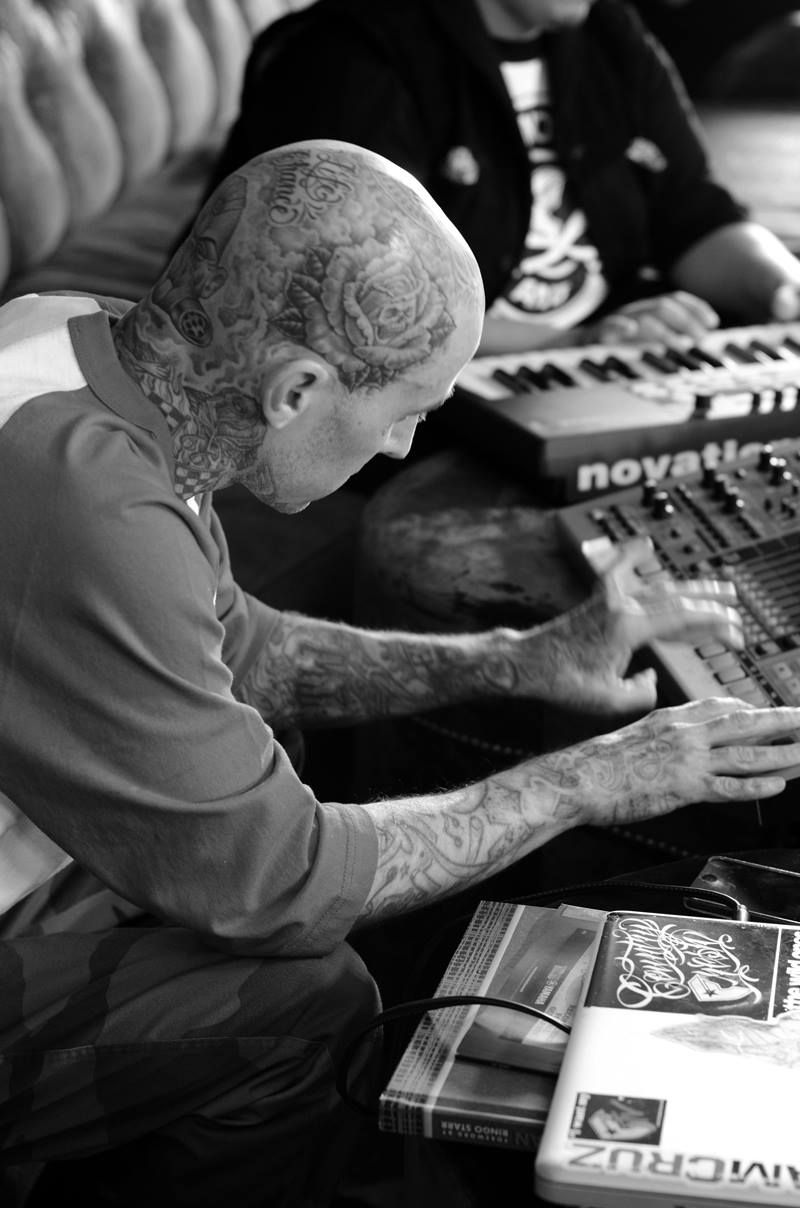 38++ Awesome Travis barker tattoos on right hand image ideas