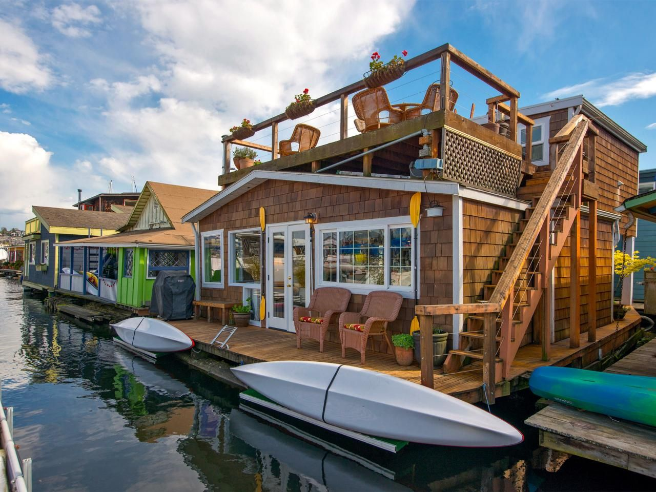15 Stylish Houseboats For Sale And For Rent Home