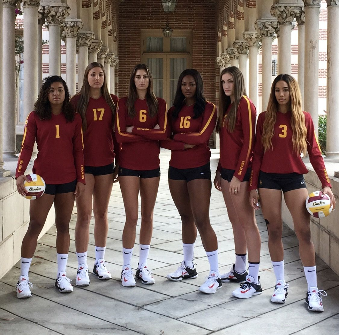 2017 Usc Women S Volleyball Front Line Fighton Female Volleyball Players Volleyball Uniforms Volleyball Team Pictures