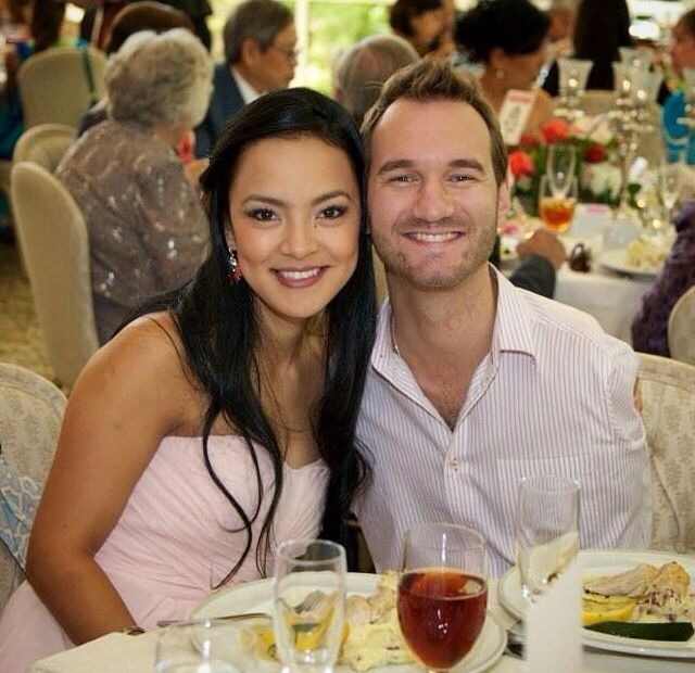 Nick Vujicic (born with no arms & legs) & his wife. God is