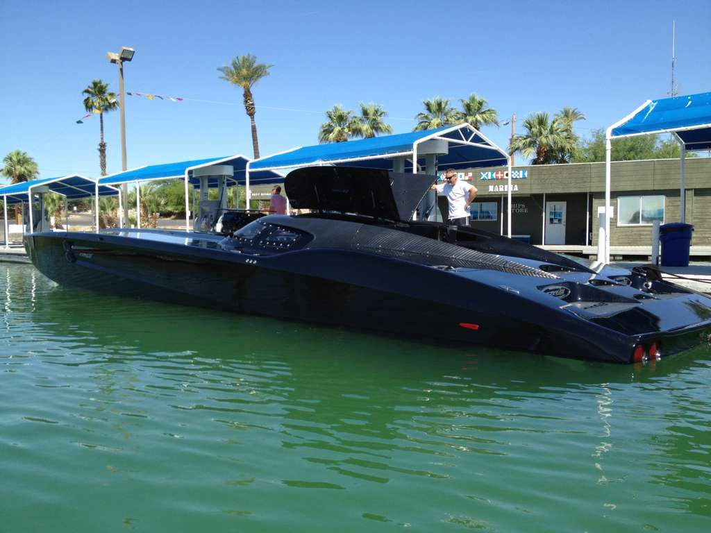 Powerboat zr48 by mti the boat features a pair of 1350 horsepower the boat features a pair of 1350 horsepower turbocharged mercury swarovskicordoba Image collections