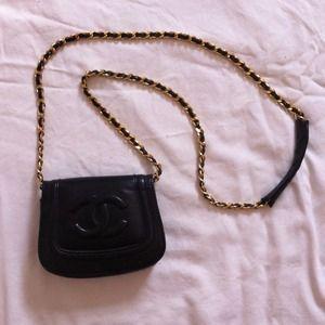 9edeef3b73f7 90% off CHANEL Handbags - Vintage Chanel cross body messenger from ...
