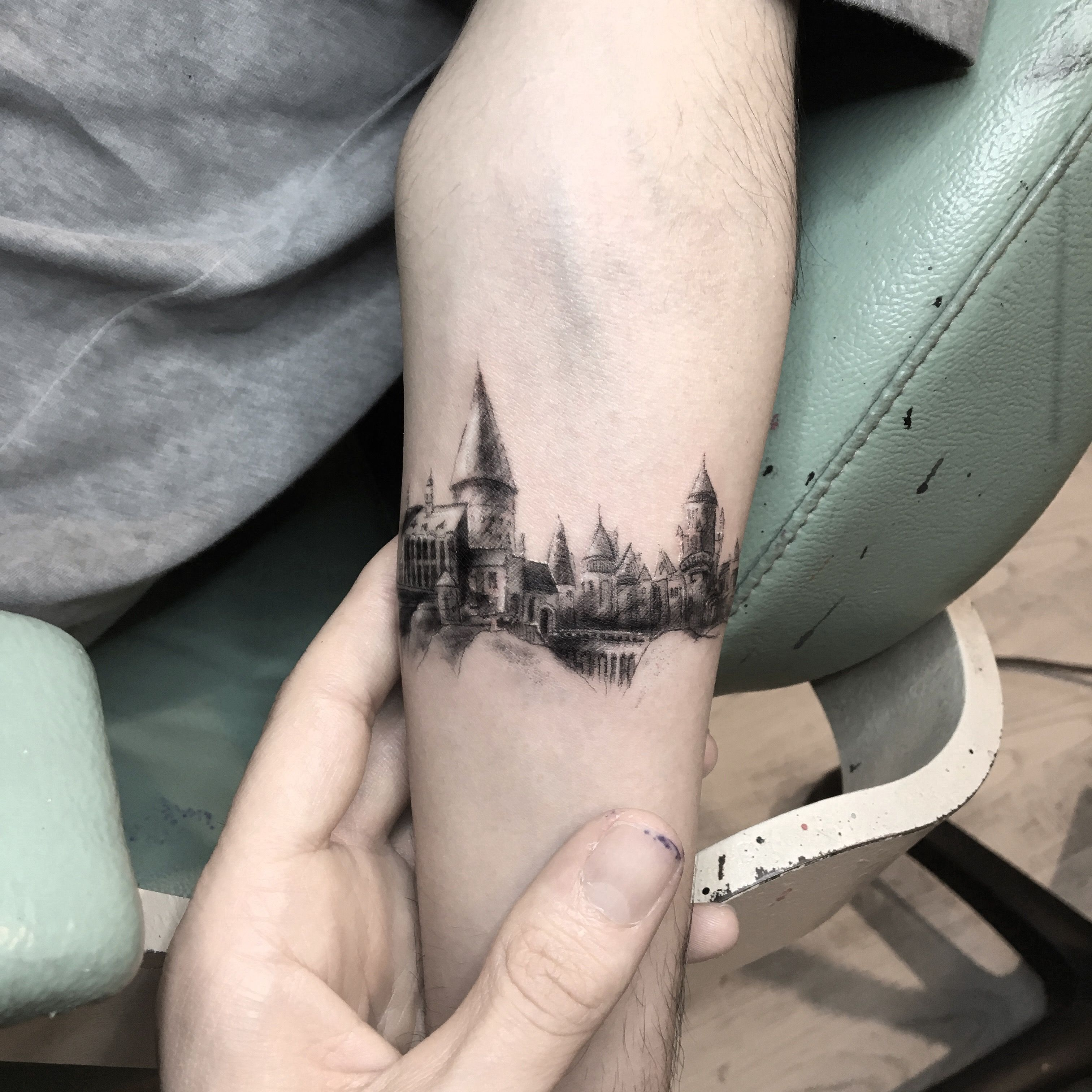 What A Great Rendering Of Hogwarts Writersrelief Com In 2020 Harry Potter Tattoos Hogwarts Tattoo Harry Potter Tattoo Sleeve