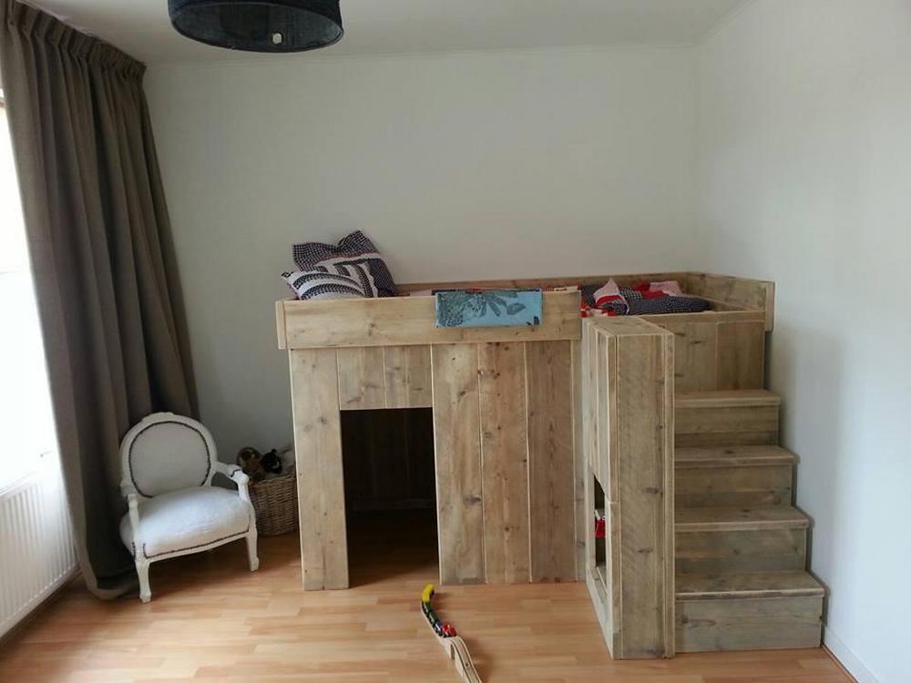 lit haut avec rangement lits pays bois pinterest lit haut lits et rangement. Black Bedroom Furniture Sets. Home Design Ideas