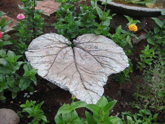 großes rharbarberblatt aus beton garten deko vogelbad ...