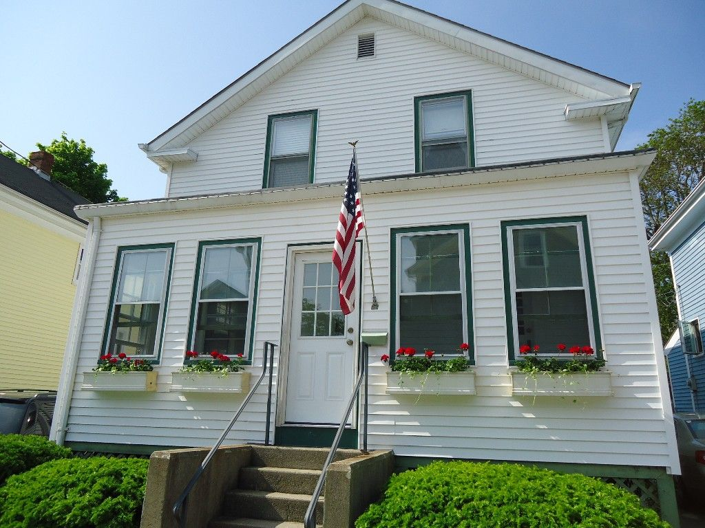Cottage vacation rental in newport from