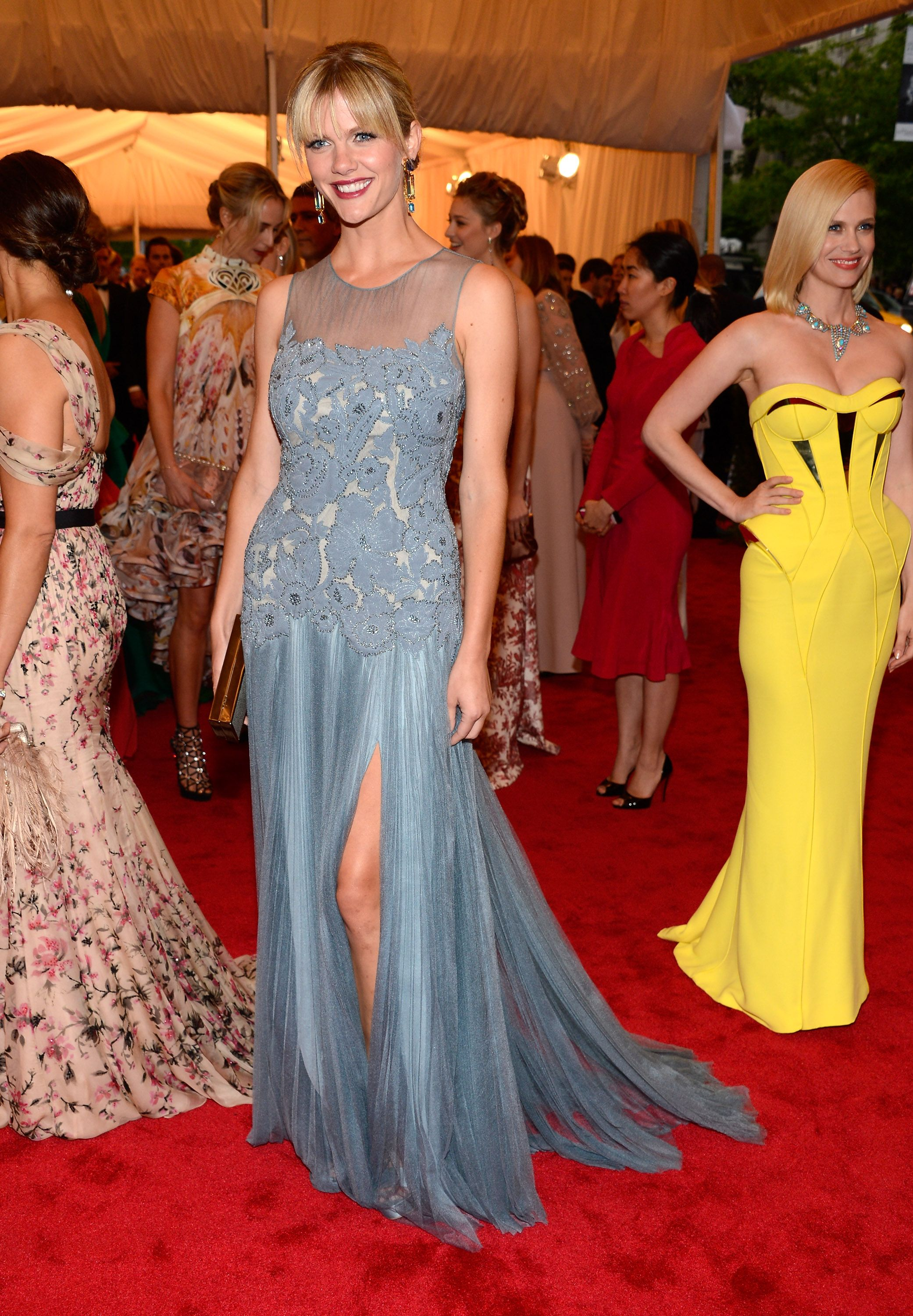 Brooklyn Decker Breaks From Battle in Tory Burch at the Met Gala ...