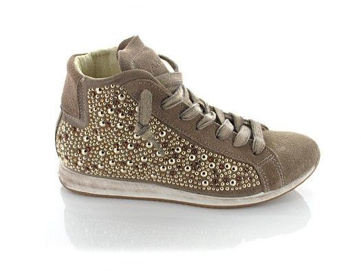 e03d3115ee48 Amust Simona DM1304 - Dame sneakers med sten nitter og lynlås - sand - Amust