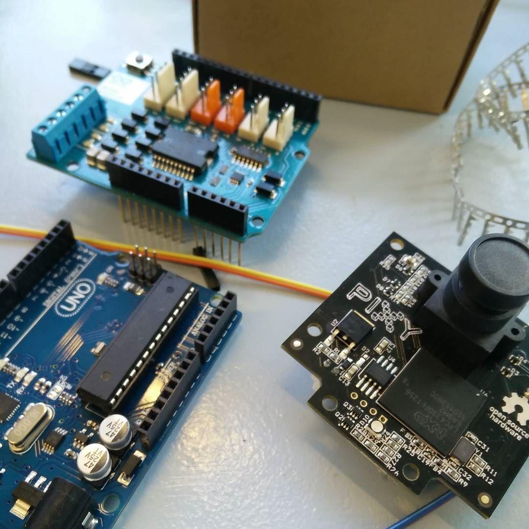 Skapar en kabel till en pixy cam!  #pixy #pixycam #cable #arduino #robot by fredrik.lofgren