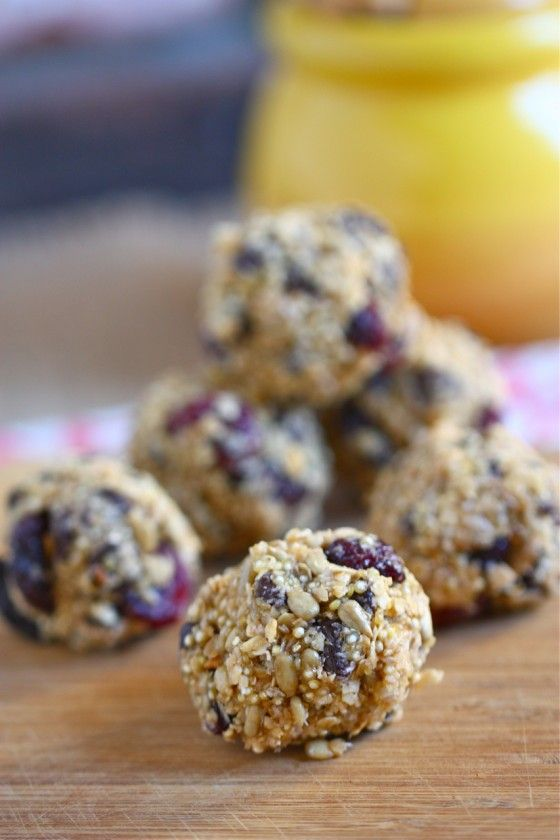 Chocolate Chip Quinoa Trail Mix Balls  1 cup old fashioned or quick-cooking oats, dry    1/4 cup quinoa, dry + 3/4 cup water    1/4 cup shredded unsweetened coconut    1/3 cup unsalted sunflower seeds    1/2 cup dark chocolate chips    1/3 cup dried cherries, raisins or cranberries    1 tsp vanilla extract    1/2 tsp sea salt    1 tbsp peanut butter    1/3 cup honey