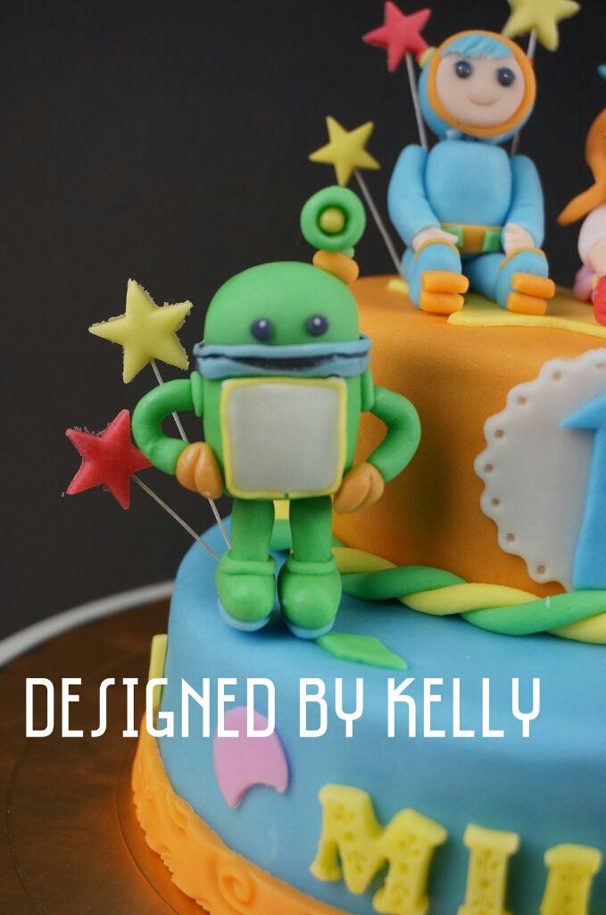 team umizoomi cake - 雙層  - 小壽星喜歡的卡通人物造型 - 加上生日數字以及名字設計 -蛋糕裝飾加上卡通元素 https://www.facebook.com/RollRollKelly