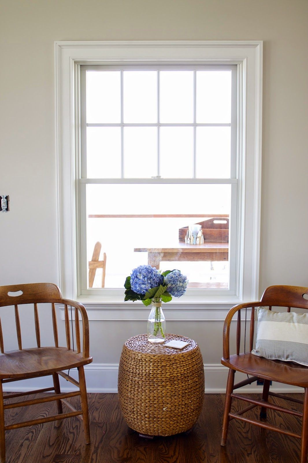Benjamin Moore Pale Oak walls. Looks great with white trim. | Living ...